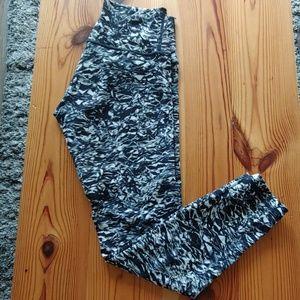 Pants - Lululemon Tights - EUC - size 6